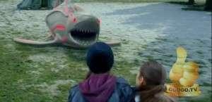 Кадр из Акула-Робот